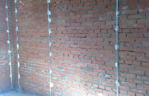 Как штукатурить стены своими рук